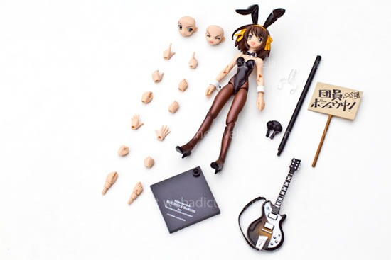 fraulein-revoltech-haruhi-suzumiya-bunny-action-figure-10