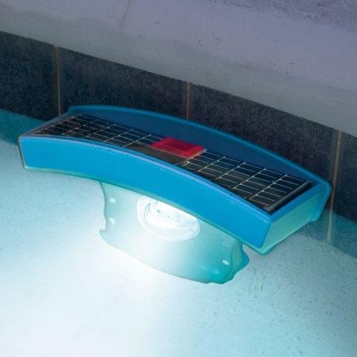 lampara-para-piscina-energia-solar