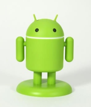 muneco-android-usb-cargar-smartphones-3