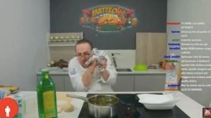 MatteoHS rischia di ustionarsi con l'olio da cucina in diretta su Twitch