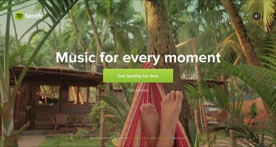 Spotifyのサイトは音楽を用意していますが、自動再生はしていません。