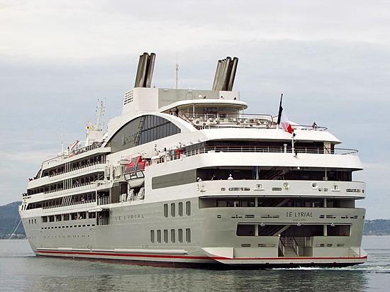 """Le navire de croisière """"Le Lyrial"""""""