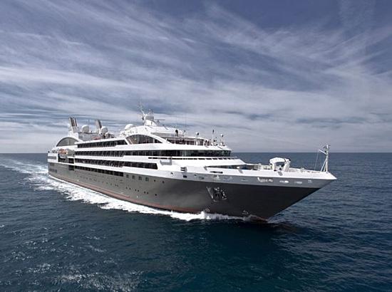 """Le navire de croisière """"Le Soléal"""""""