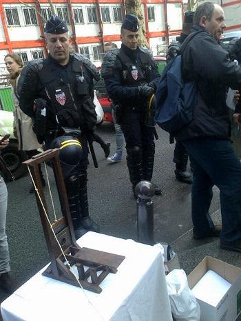 Marzouki, Guillotine, Paris, 12-04-13 - photo (#Arabasta1)