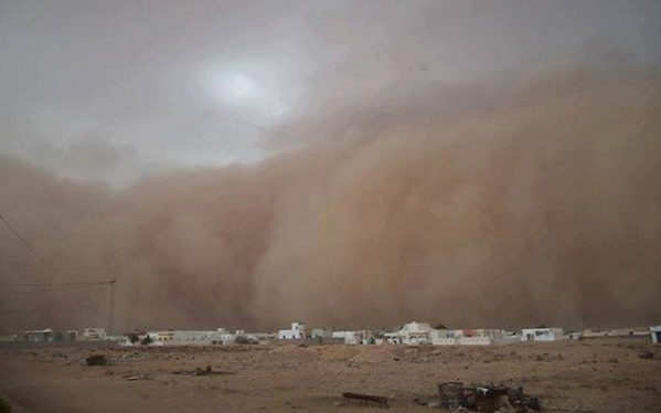 Tempête spectaculaire s'abat sur Medenine 14 août, (photo FB Ridha Bouguezzi)