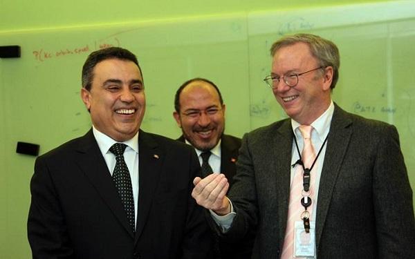 Mehdi Jomaa et le président exécutif de Google, Eric Schmidt (crédit photo - Présidence du gouvernement)