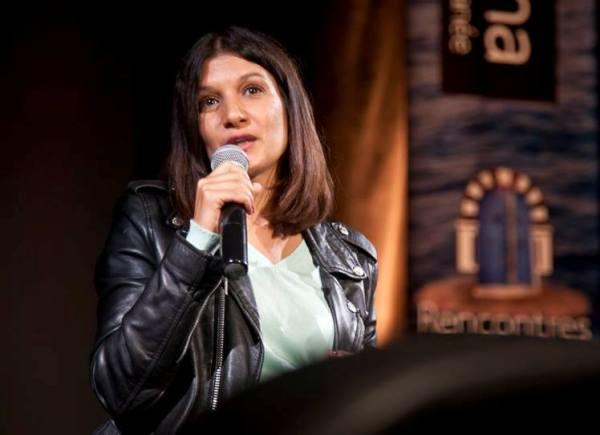 Raja Amiri lors dé débat après la projection de son film Corps étrangers