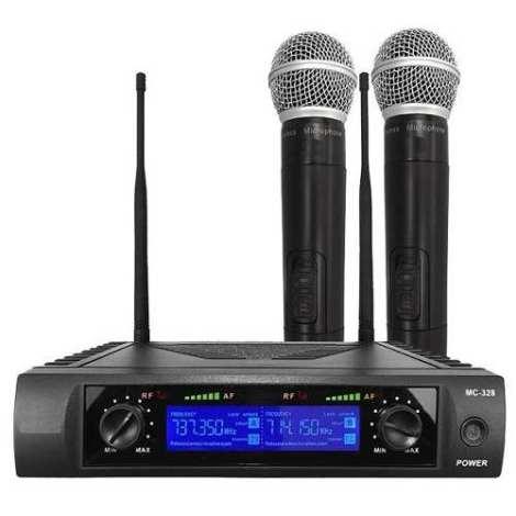 Set 2 Microfonos Inalambricos Uhf Pantalla Digital en Web Electro