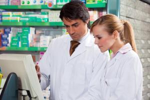¿Por qué estudiar técnico en farmacia y parafarmacia?