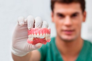 Técnico superior en prótesis dental: ¿Qué es? ¿Cuánto gana?