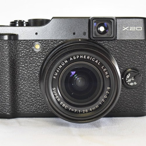 カメラ買取実績紹介「FUJIFILM X20 純正革ケース・予備バッテリー(社外品)付き」