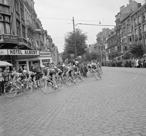 Wielrenners in actie/ Cyclists in action