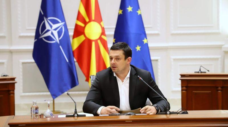 Владата ја поддржува и афирмира македонската фудбалска репрезентација и верува во успехот на нашите претставници на претстојното Европско првенство