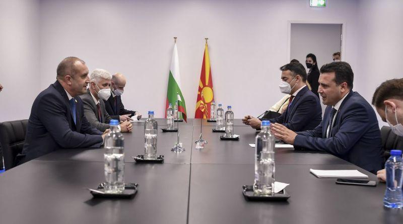 Заев и Радев во Брисел разговараа за перспективата за постигнување на реален исчекор во процесот на европската интеграција на РСМ