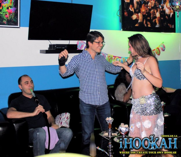 belly dance at ihookah