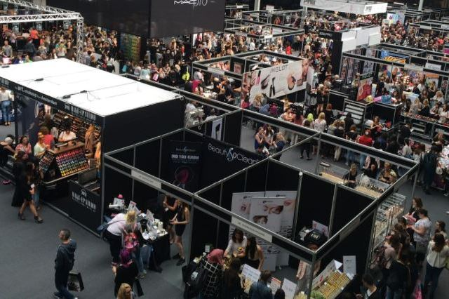 Should You Market Your Business at a Trade Show? Here's What You Need to Consider