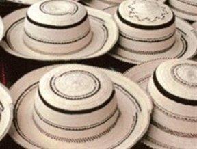 Las artesan as paname as m s conocidas y sus procesos de for Herramientas ceramica artesanal