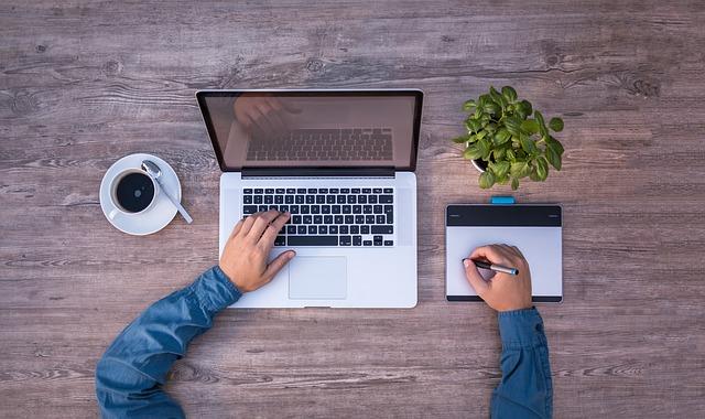 Choosing a Domain Name Registrar