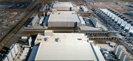 An overhead view of data center buildings on a Google campus. These campuses have ample room to place satellite ground stations. (Image: Google)