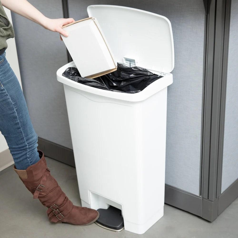 10 Gallon Step Trash Can