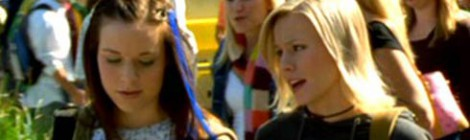 Tina Majorino and Kristen Bell in Veronica Mars