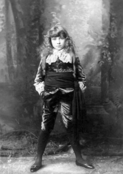 Elsie_Leslie_as_Little_Lord_Fauntleroy_cph.3b10326