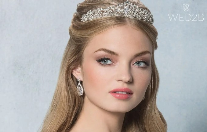 amixi tiaras and hair accessories: the perfect finishing