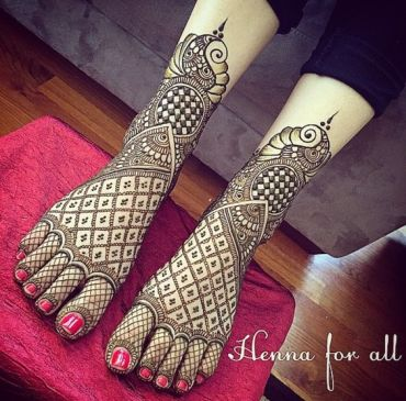 mehendi designs for legs