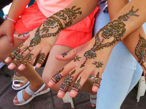 dark mehendi naturally