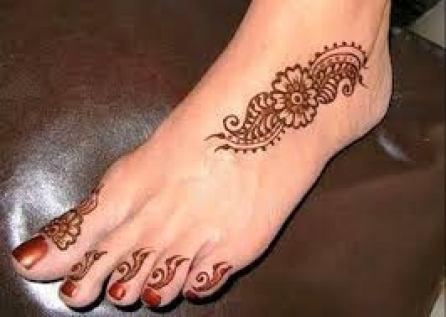 simple feet mehendi design