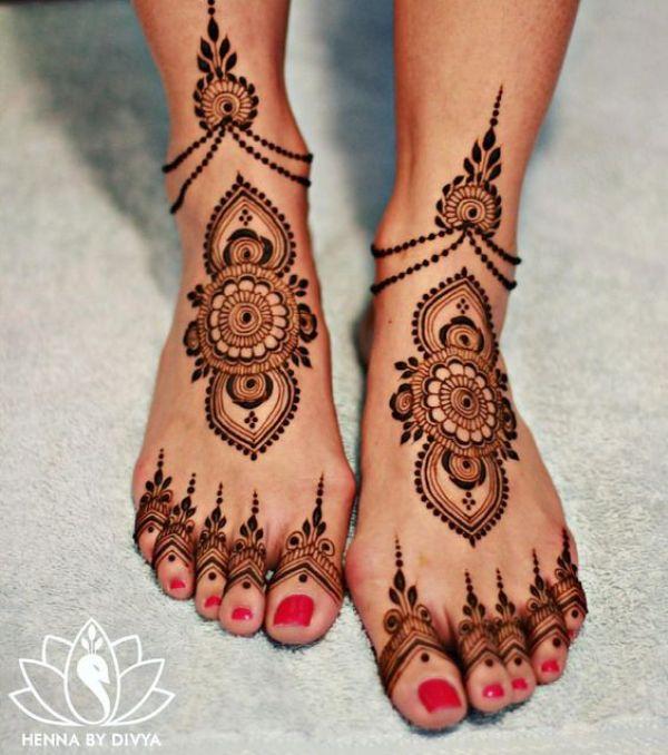 12.Dots and Round leg henna