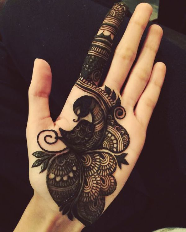 15.Arabic Peacock Mehndi Design