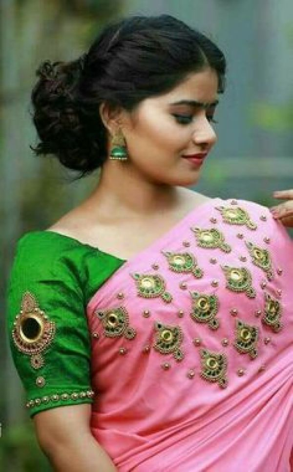 8.Pretty Mirror work in blouse