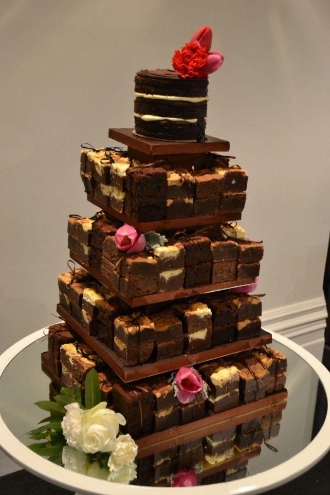 Top 10 Brownie Wedding Cakes - Wedded Wonderland