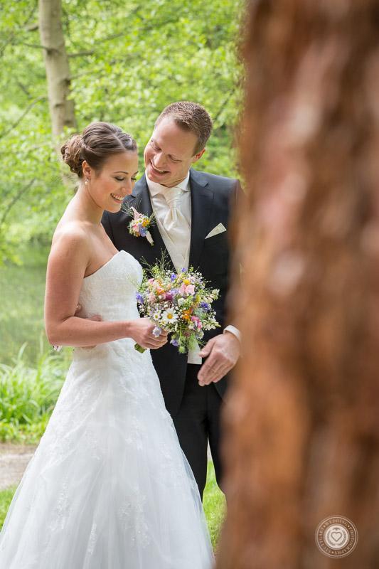 Großes Staunen beim Bräutigam, Frühlingshochzeit