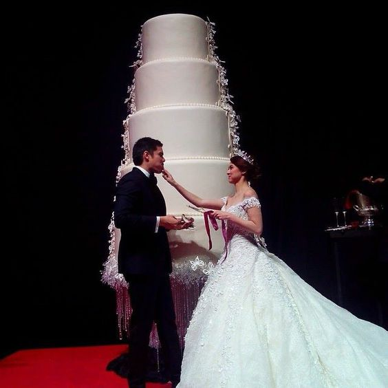 9 Extravagant Celebrity Wedding Cakes   CHWV 9 of the Most Extravagant Celebrity Wedding Cakes   Dingdong Dantes and  Marian Rivera   CHWV