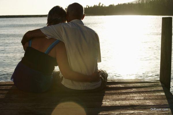 exotic-lakeside-honeymoon-2