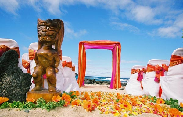 Hawaiian Wedding Reception Decorations