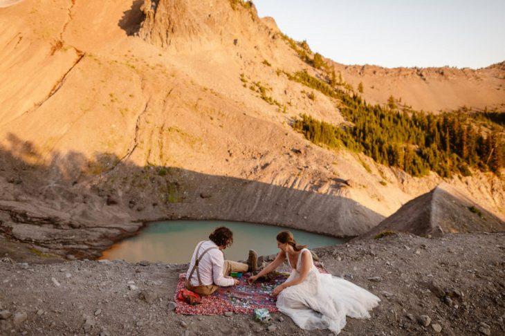 Stunning Sunrise Oregon Mountain Elopement