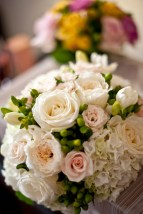 Bridalbouquet-in-blush-and-ivory-colours