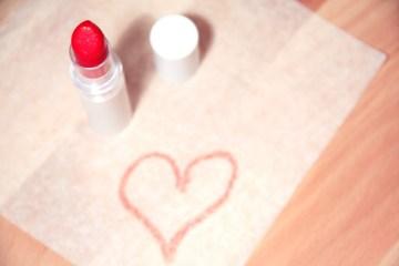 8 DIY Wedding Day Makeup Tricks For Brides On A Budget