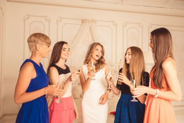 bubbling-brides-and-her-maids