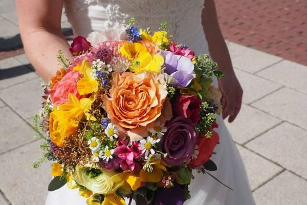 Wedding for $1000 - Your Wedding In Technicolor