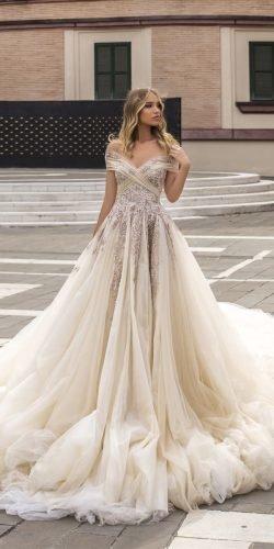 wona váy cưới công chúa lệch vai đính hoa sâm panh ăn mừng Ảnh váy cưới lấp lánh