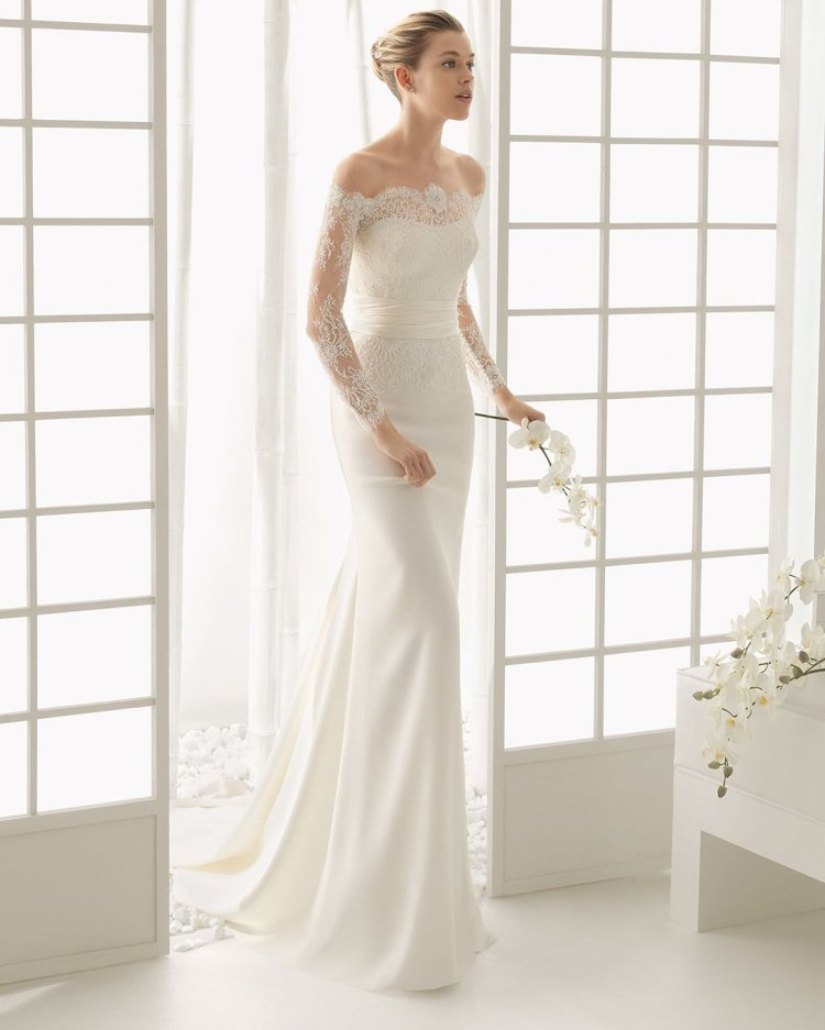váy cưới lệch vai áo quây cổ yếm với tay áo dài màu xanh da trời
