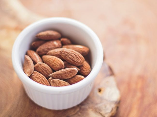 10 foods that'll get you in the mood for love this valentines day - almonds