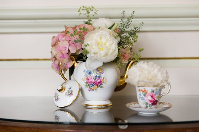 21-ways-to-decorate-your-wedding-venue-with-flowers-shoot-lifestyle.co.uk