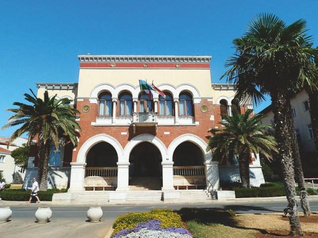 dreamiest-destinations-Croatia - Porec Town Hall