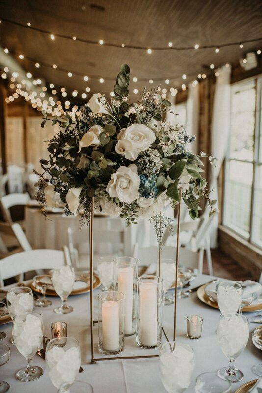round wedding table styling and center piece ideas