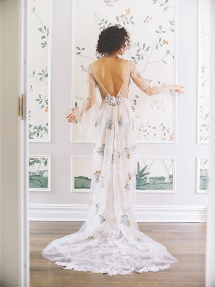 "floral-wedding-dress-trend-new-york ""width ="" 800 ""peak ="" 1067 ""srcset ="" https://www.weddingideasmag.com/wp-content/uploads/2017/10/floral-wedding-dress -trend-new-york.jpg 800w, https://www.weddingideasmag.com/wp-content/uploads/2017/10/floral-wedding-dress-trend-new-york-225x300.jpg 225w, https: / /www.weddingideasmag.com/wp-content/uploads/2017/10/floral-wedding-dress-trend-new-york-768x1024.jpg 768w, https://www.weddingideasmag.com/wp-content/uploads/ 2017/10 / floral-wedding-dress-trend-new-york-600x800.jpg 600w ""sizes ="" (max-width: 800px) 100vw, 800px ""/> <figcaption id="
